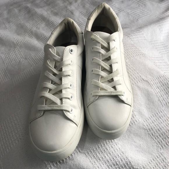 befea025681 STEVE MADDEN white Bertie platform sneakers